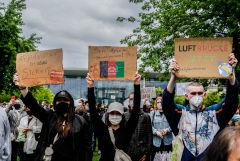 В Германии прошли акции с требованием дать убежище афганским беженцам