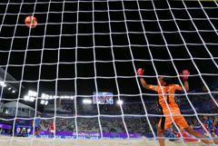 Сборная России по пляжному футболу вышла в четвертьфинал домашнего ЧМ