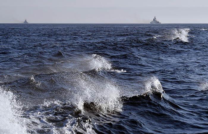 Корабли Северного флота вошли в порт Алжира после отказа Испании пустить их в Сеуту