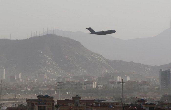 Франция завершила эвакуацию людей из Афганистана