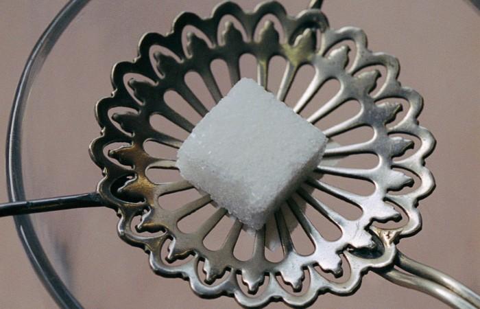 Кабмин РФ допустил использование механизма интервенций на рынке сахара