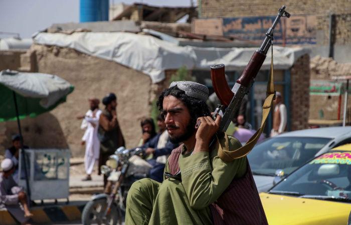 CNN сообщил о помощи талибов американцам во время эвакуации в аэропорту Кабула