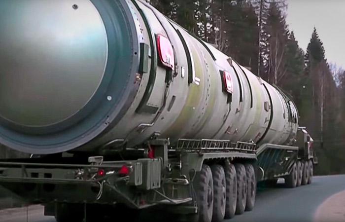 """Рогозин заявил, что новая ракета """"Сармат"""" обеспечит РФ ядерный щит на 30-40 лет"""