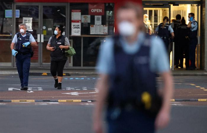 В Новой Зеландии застрелили мужчину, ранившего ножом шесть посетителей магазина