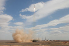 """Рогозин заявил, что ракета """"Союз-2"""" будет эксплуатироваться еще 9-10 лет"""