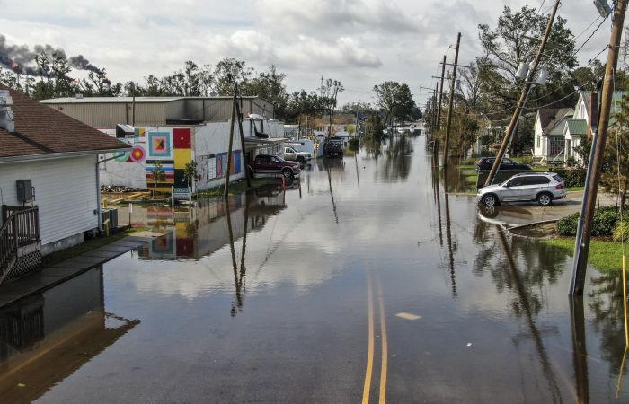 До 430 тыс. домохозяйств и учреждений остаются без света в Луизиане