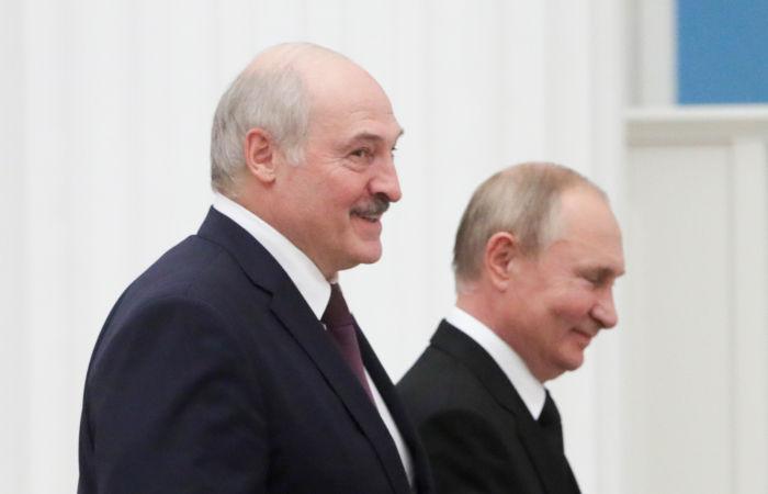 Лукашенко поблагодарил Путина за позицию по миграционному кризису