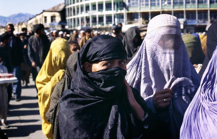 Талибы заявили, что задача женщин - не работать в правительстве, а рожать детей