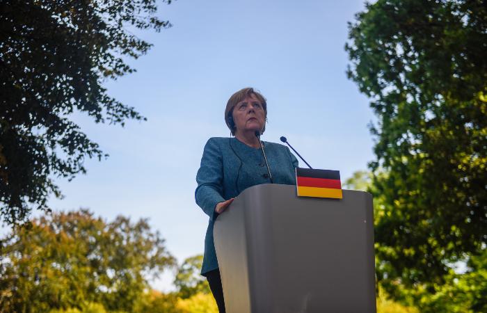"""Меркель поддержала """"Северный поток 2"""", отметив необходимость соблюдения интересов Киева"""