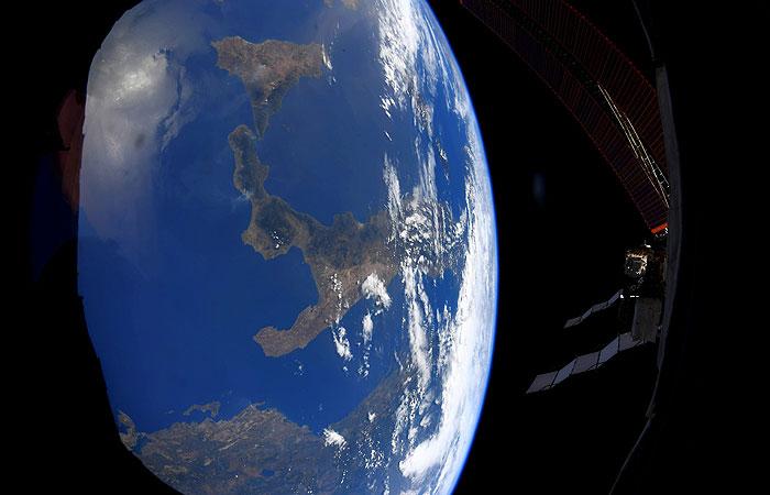 Астронавты на МКС вышли в открытый космос для проведения работ