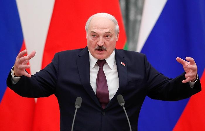 Лукашенко отказался говорить с Западом в условиях санкций против Белоруссии