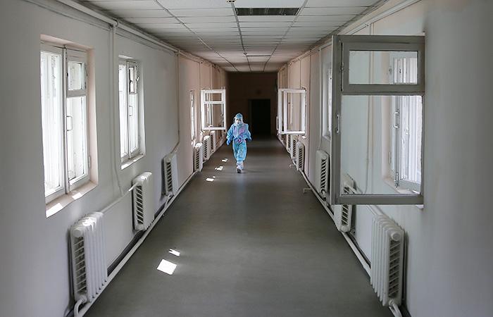 За сутки от COVID-19 в РФ скончались 792 человека