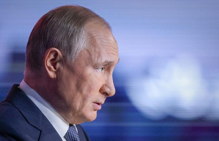 В окружении Путина коронавирусом заболели несколько десятков человек