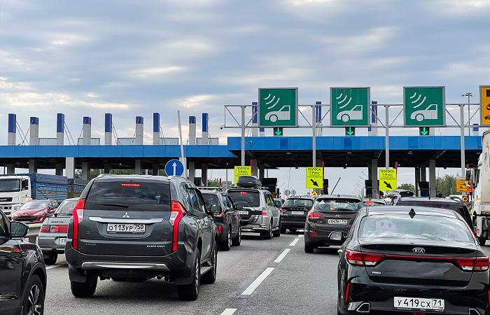 Минтранс предложил не пускать водителей-должников на платные трассы