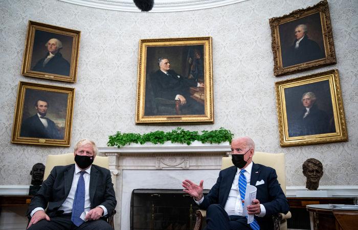 Джонсон и Байден договорились подходить к отношениям с РФ и КНР на основе общих ценностей