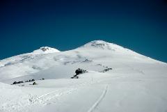 Число погибших альпинистов на Эльбрусе достигло трех