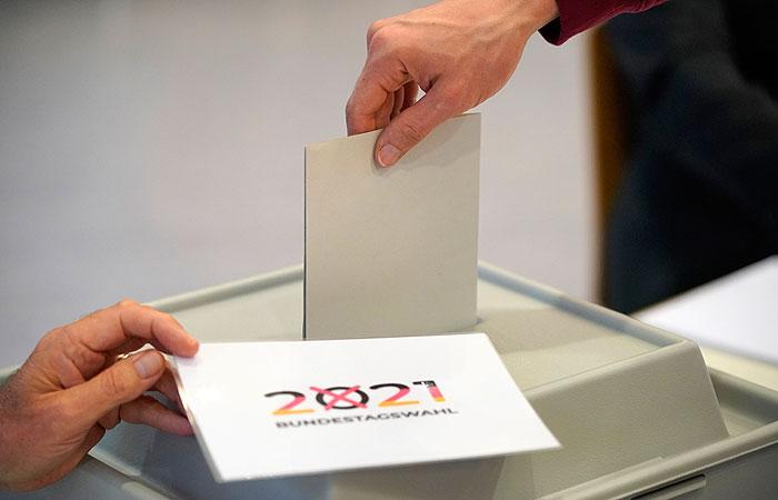 Данные экзит-полов в Германии отдали победу социал-демократам и ХДС/ХСС