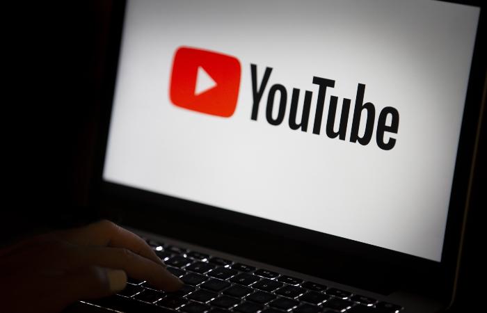 В YouTube заявили, что будут решать проблемы с властями для работы в РФ