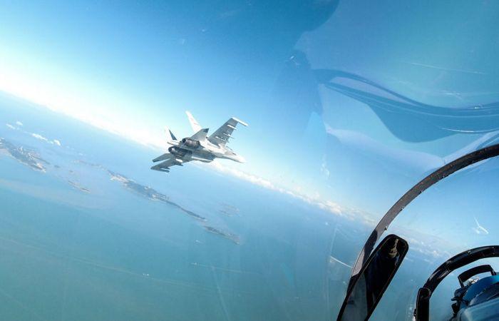 Китай направил к Тайваню рекордное число военных самолетов
