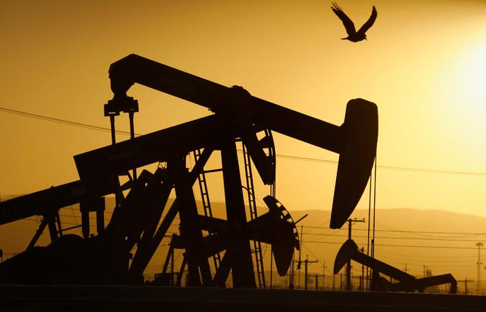 Цена нефти Brent впервые за три года превысила $84 за баррель