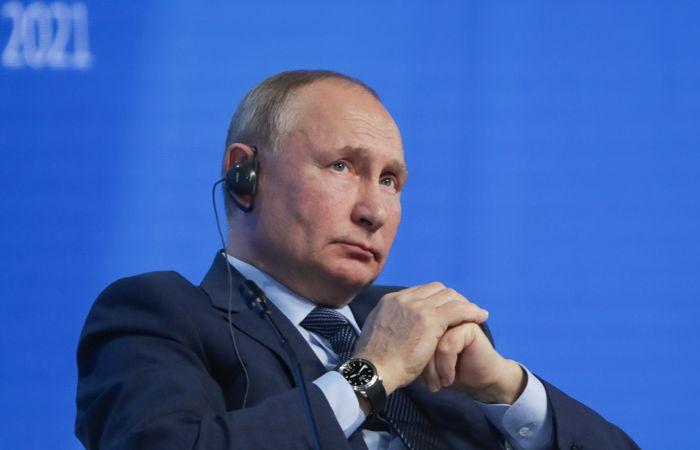 Путин заявил, что Россия не заинтересована в полном отказе от доллара