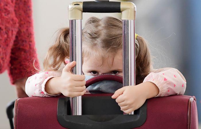 В России изменился порядок вывоза детей за границу одним из родителей