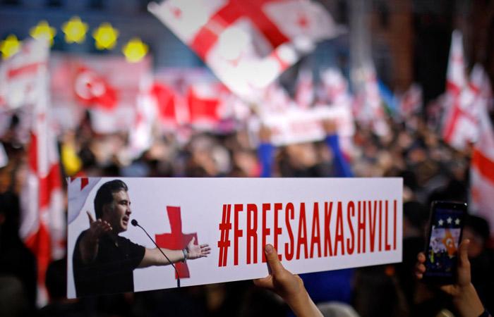 Врачи рекомендовали госпитализировать Саакашвили