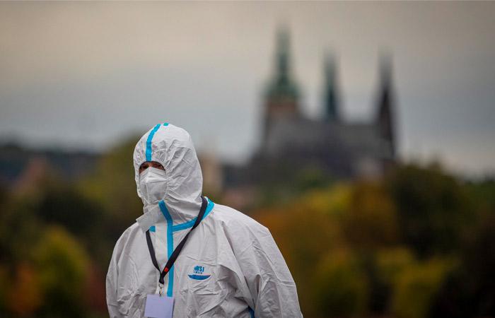 В Чехии впервые с апреля выявили более 3 тыс. случаев COVID-19 за сутки