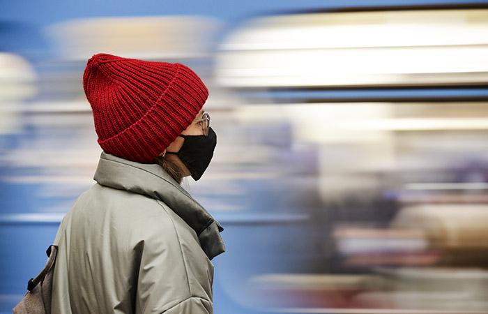 Роспотребнадзор усилил контроль за соблюдением COVID-мер в московском транспорте