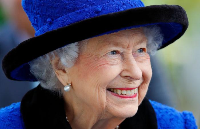 Елизавета II вернулась в Виндзорский замок после ночи в больнице