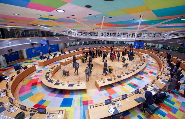 Саммит ЕС не решил главные вопросы - о ценах на газ и верховенстве права в Польше