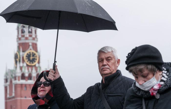 Домашний режим для пожилых и хронически больных людей начал действовать в Москве