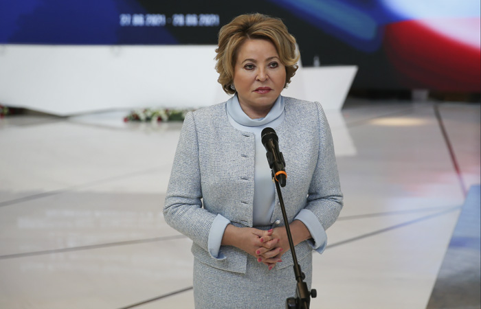 """Матвиенко предложила передать безнравственные шоу """"специальным телеканалам"""""""