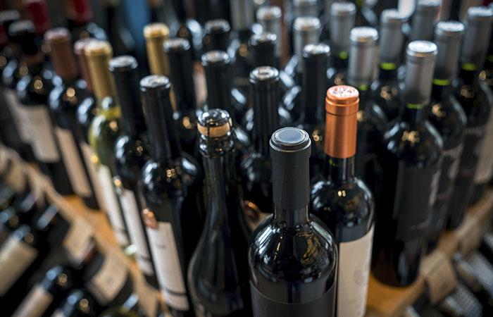Специализированные алкомаркеты будут закрыты в Москве во время нерабочих дней