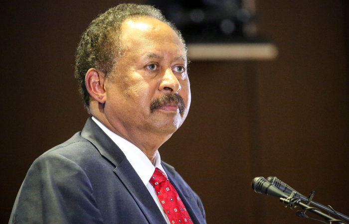 Премьер-министр Судана вернулся домой спустя сутки после задержания