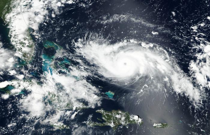 """Надвигающийся на США ураган """"Дориан"""" усилился до четвертой категории"""