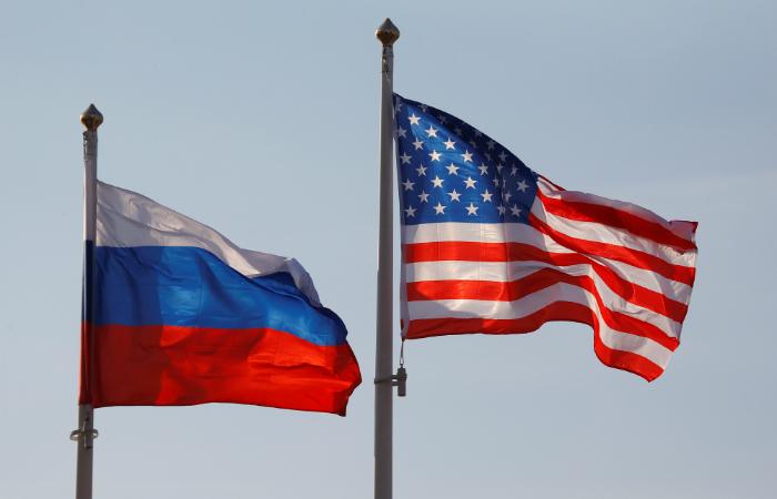 NYT узнала об отказе в визах РФ учителям Англо-американской школы в Москве