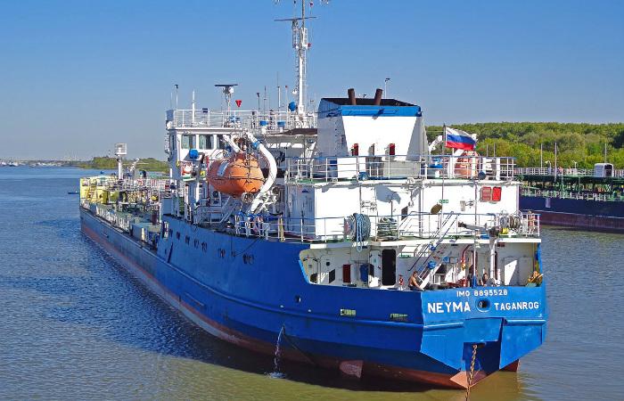 Моряки задержанного на Украине российского танкера прибыли в Москву