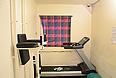 Террорист Брейвик будет содержаться в относительно просторных помещениях, включающих в себя комнаты с тренажерным залом, компьютером и телевизором.